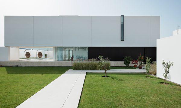 House 010, Dubai